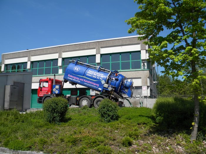 Kanalentrümpelung durch Installateur-Notdienst Permetinger in Salzburg und Tirol